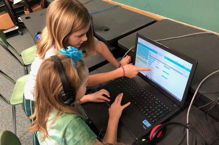 Student Collaboration While Coding